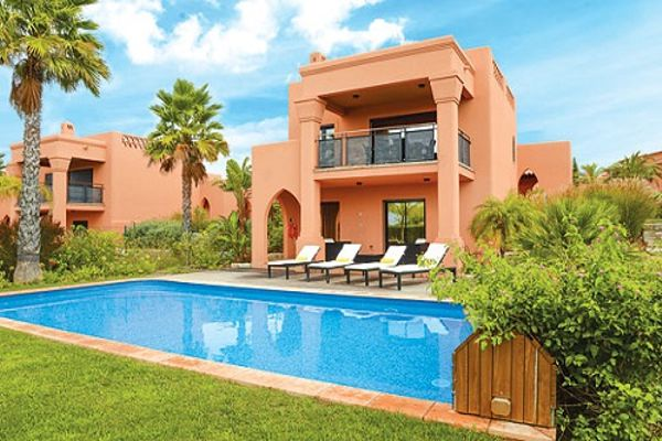 Rent this property from as little as:  £273.00 per night  (Ref 124)