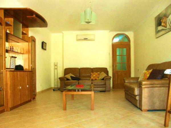 Rent this property from as little as: £50.00 per night (Ref 017)
