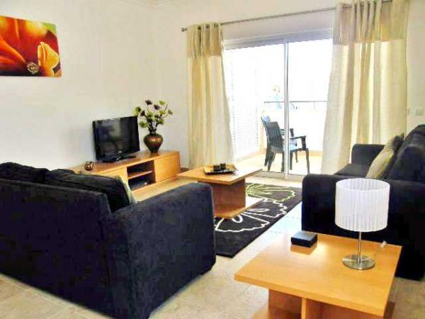 Rent this property from as little as: £100.00 per night (Ref 067)