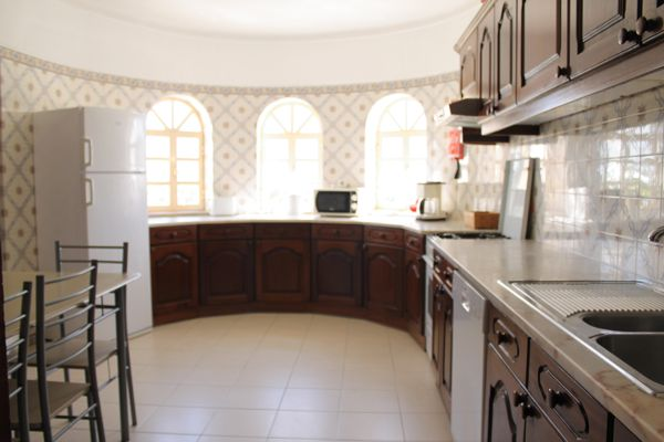 Rent this property from as little as:  £95.00 per night    (Ref 116)