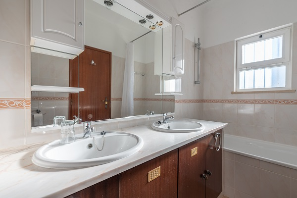 Rent this property from as little as: £100.00 per night  (Ref 134)